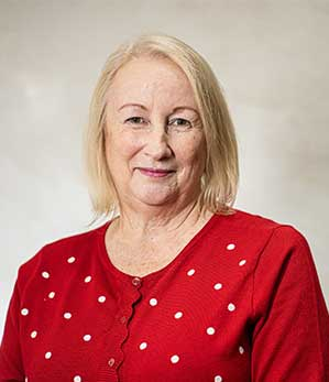 Mrs Maureen Fairbairn